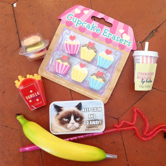 Merci ma super copine @madmoisellejulie ??? #frompariswithlove #flamingo #banana #grumpycat #banane #frite #burger #love