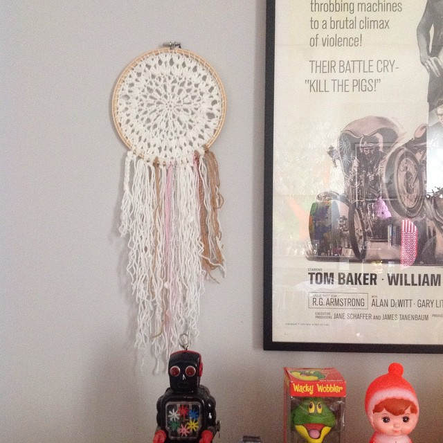 Série dreamcatcher ?? n*2 // sold // #dreamcatcher #handmade #crochet #indian #amerique #wool #coquillage
